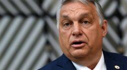 """Premiê húngaro diz ser defensor dos direitos dos gays, mas defende lei apontada como """"anti-LGBT"""""""