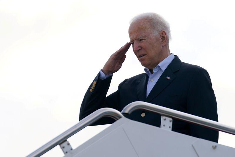 Biden vai à Flórida visitar famílias de vítimas de colapso de edifício