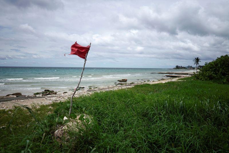 Tempestade tropical Elsa chega a Cubae está a caminho da Flórida
