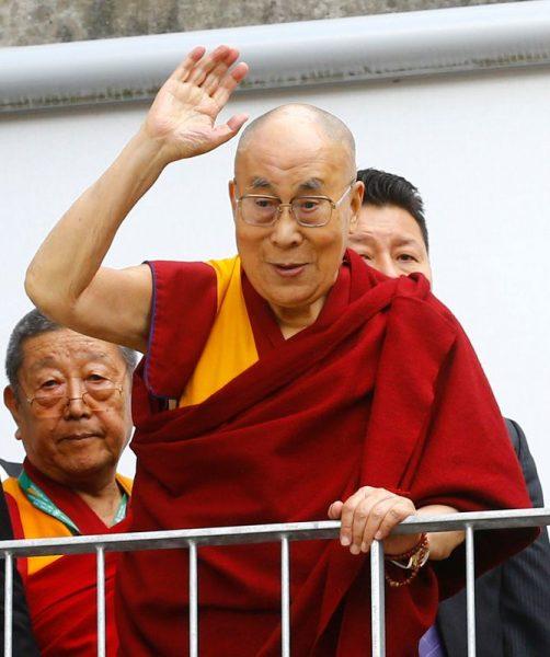 Premiê da Índia cumprimenta Dalai Lama por aniversário em ligação rara